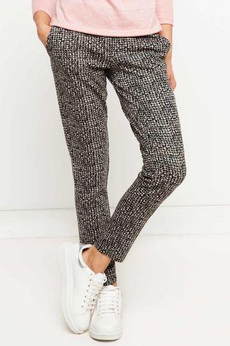 Trend Pantolon DeFacto